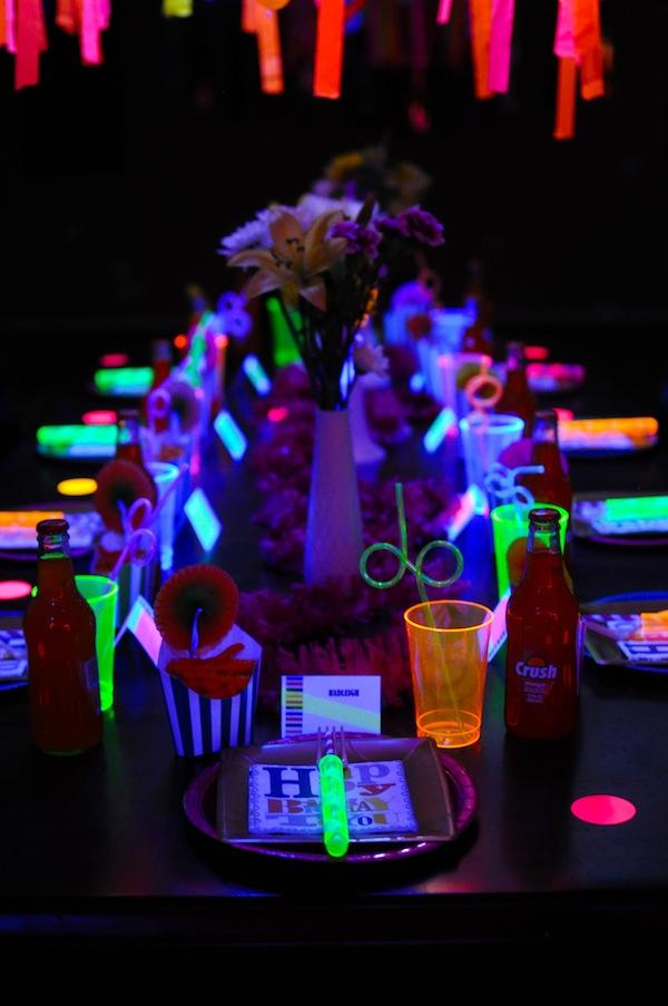 Karas Party Ideas Neon Glow In The Dark Teen Birthday Party Dance