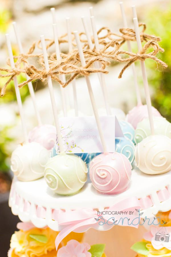 Kara 39 s party ideas shabby chic vintage high tea party for Bridal shower kitchen tea ideas fashion