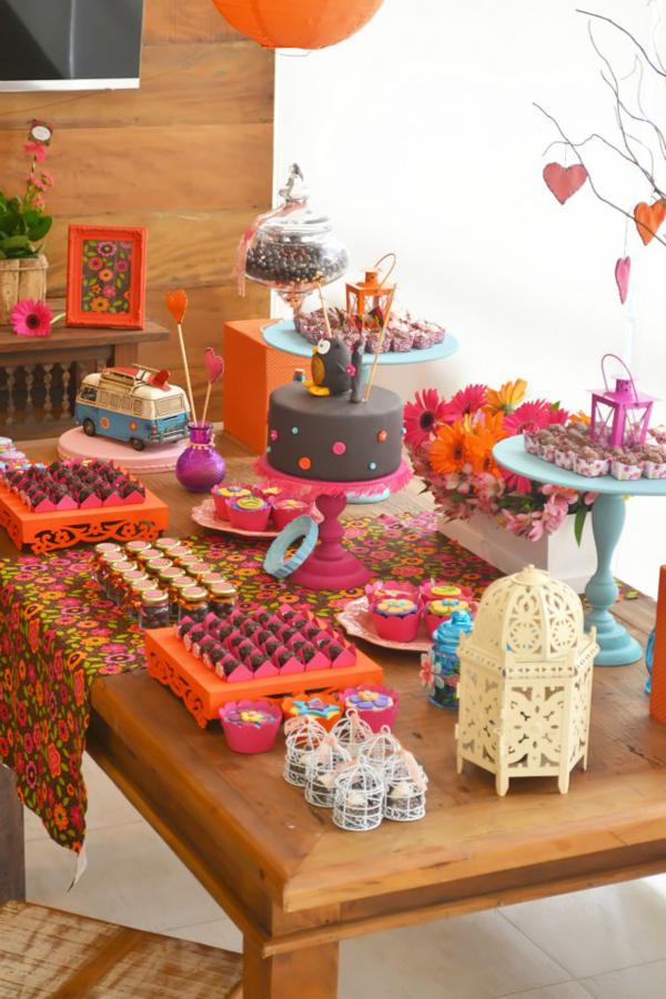 Kara 39 s party ideas hippie owl 60 39 s girl themed birthday for 60 s decoration ideas