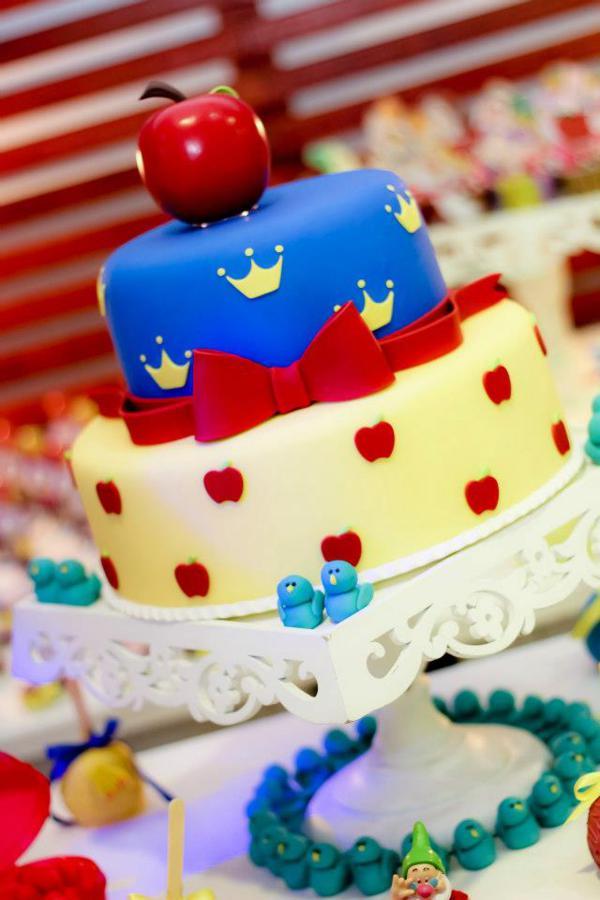 Pleasant Karas Party Ideas Snow White Party Supplies Idea Planning Funny Birthday Cards Online Alyptdamsfinfo