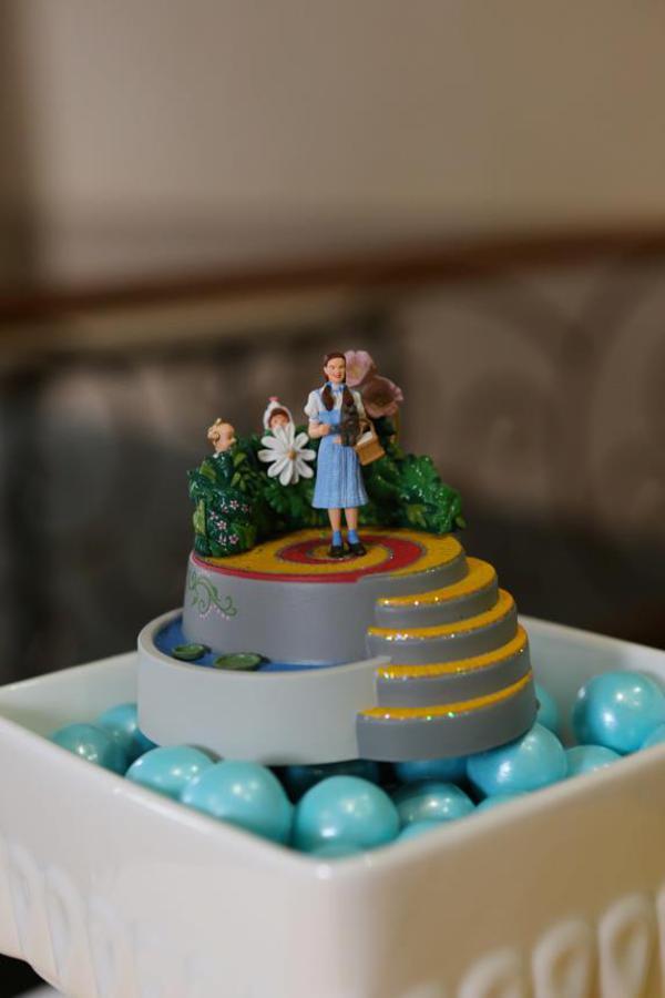 Kara S Party Ideas Wizard Of Oz Rainbow Wedding Party Decorations