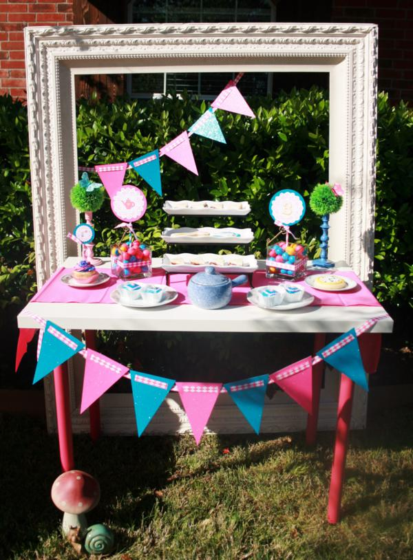 Kara 39 s party ideas mad hatter girl whimsical tea party for How to decorate for a tea party