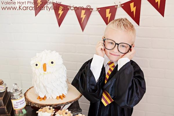 Harry Potter themed birthday party idea via Kara's Party Ideas | KarasPartyIdeas.com #harry #potter #decorations #printables #invitation #party #supplies #idea #cake #cupcakes #activities (9)