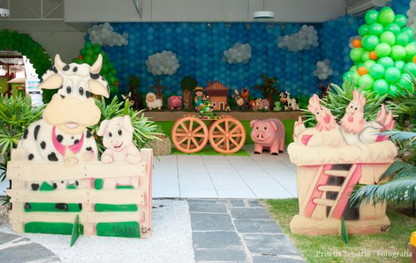 Kara S Party Ideas Farm Themed Birthday Party Kara S