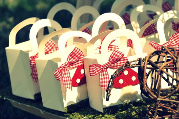 Little Red Riding Hood Party via Kara's Party Ideas | KarasPartyIdeas.com #little #red #riding #hood #party #ideas (23)