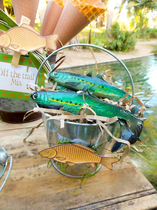 Kara 39 s party ideas gone fishing boy themed party planning for Fish party decorations