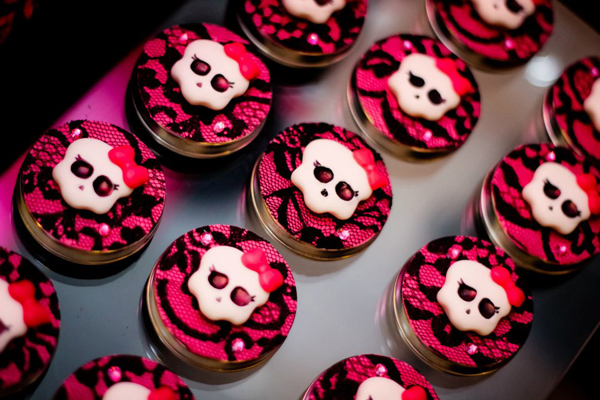 Cool Karas Party Ideas Monster High Birthday Party Supplies Ideas Cake Funny Birthday Cards Online Fluifree Goldxyz