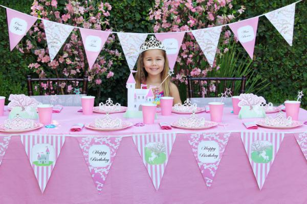 Kids Birthday Party Giveaway via Kara's Party Ideas | KarasPartyIdeas.com #theme #kids #birthday #party #kit #giveaway #costumes (2)