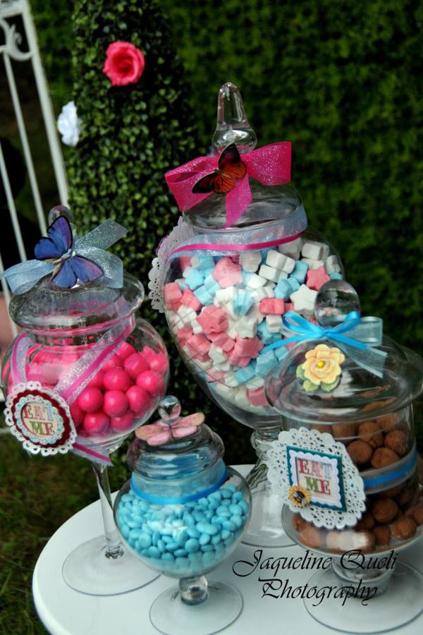 Kara 39 s party ideas alice in wonderland birthday party for Alice in wonderland party decoration ideas