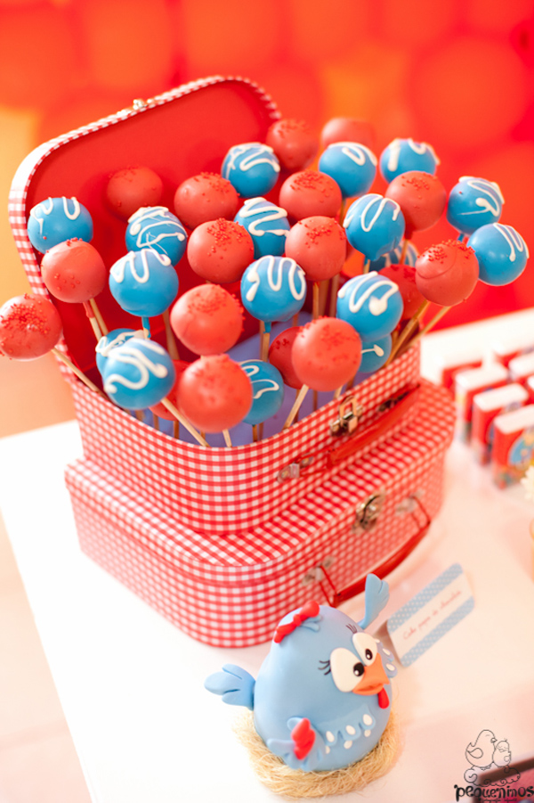 Festa Galinha Pintadinha Birthday Party via Kara's Party Ideas | Kara'sPartyIdeas.com #festa #galinha #pintadinha #birthday #party #ideas #supplies (21)