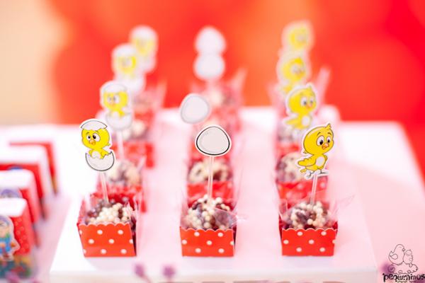 Festa Galinha Pintadinha Birthday Party via Kara's Party Ideas | Kara'sPartyIdeas.com #festa #galinha #pintadinha #birthday #party #ideas #supplies (9)