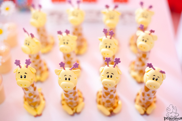 Festa Galinha Pintadinha Birthday Party via Kara's Party Ideas | Kara'sPartyIdeas.com #festa #galinha #pintadinha #birthday #party #ideas #supplies (8)