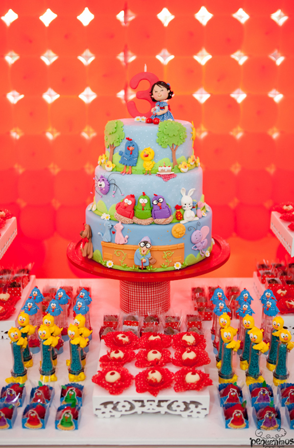 Festa Galinha Pintadinha Birthday Party via Kara's Party Ideas | Kara'sPartyIdeas.com #festa #galinha #pintadinha #birthday #party #ideas #supplies (38)