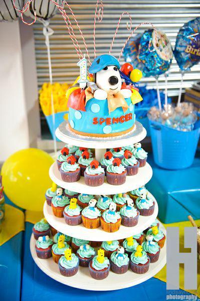 Kara's Party Ideas Snoopy Dog Cartoon Charlie Brown Boy ...